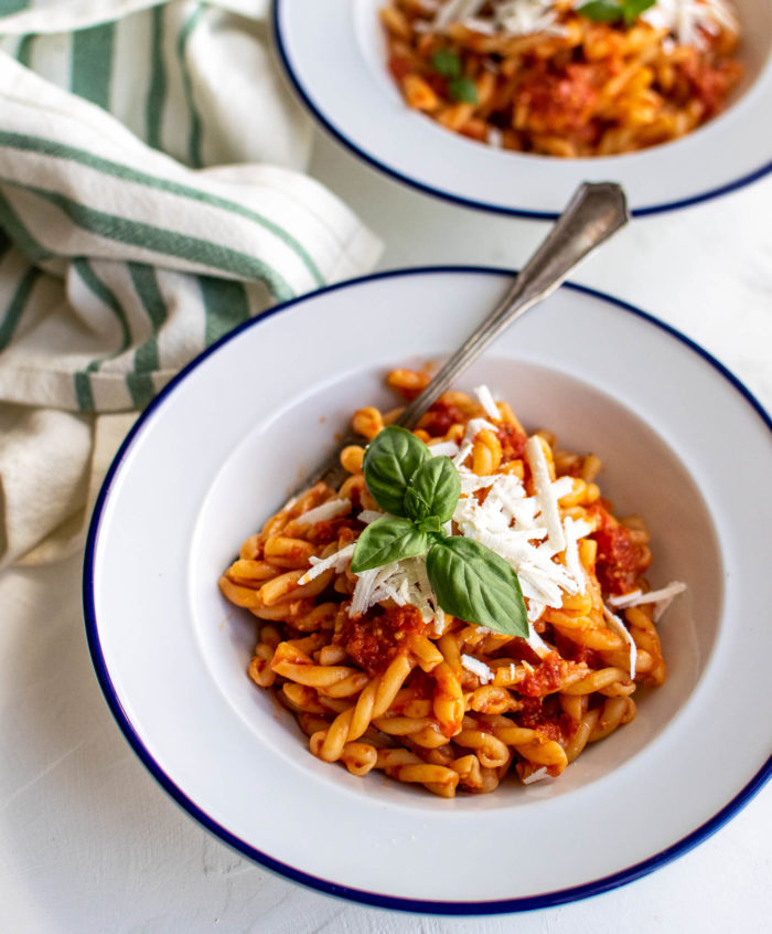 Blender cherry tomato sauce with pasta